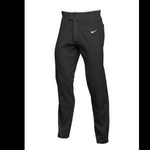 New Nike pants size M